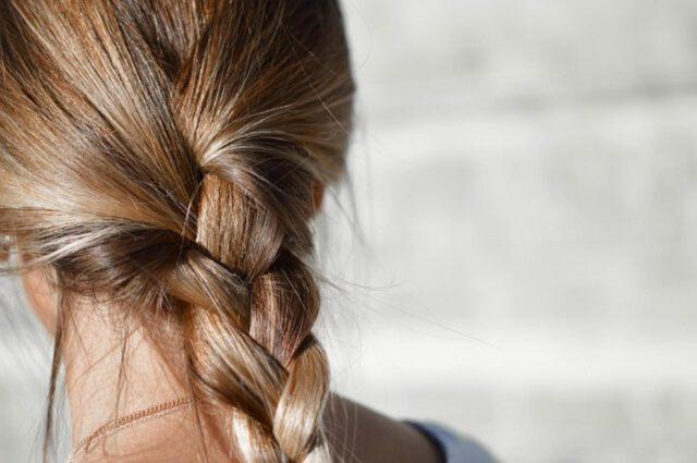 jak dobrze ułożyć fryzurę