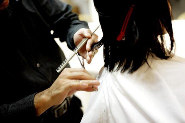 jak samemu przyciąć włosy